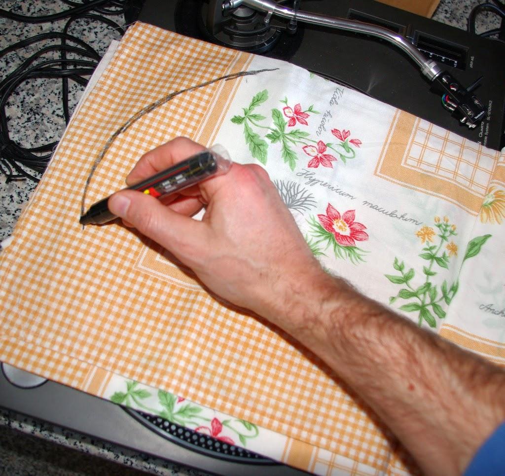 Cerchiare il tessuto con un pennarello